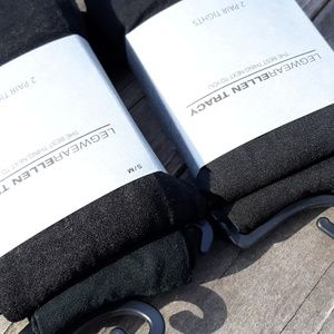 2 packs 4 pairs Ellen Tracy Tights Size: S/M